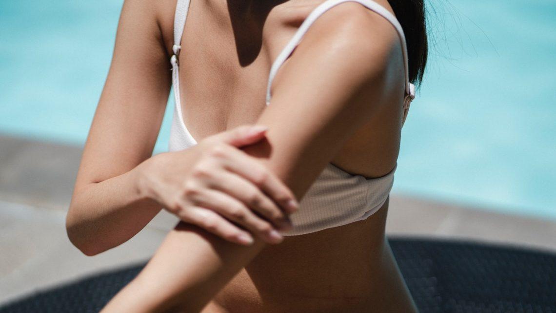 Tanning spray vs. zonnebank